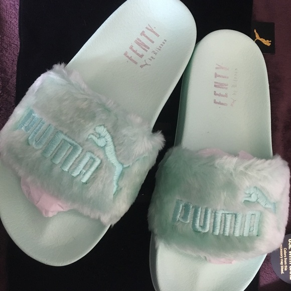 wholesale dealer 64729 d1a2a Authentic Brand New Fenty Puma Fur Slides